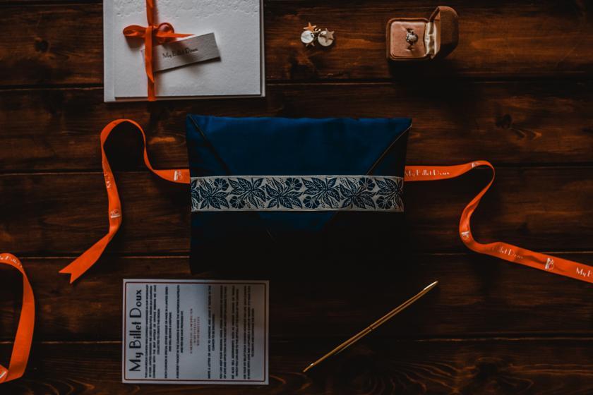 Kissen mit Platz für Liebesbriefe, geheime Botschaften oder kleine Geschenke oder auch Eheringe