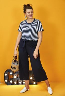 Gestreiftes Shirt und Culotte für Curvys | Studio Untold