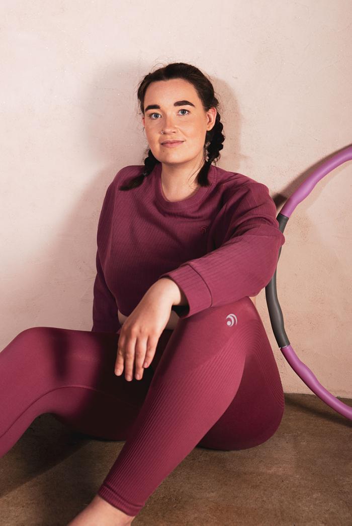 Für Curvys: Cropped Sweater & Pants | Active Wear von OceansApart