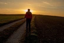 Marsch in den Sonnenuntergang