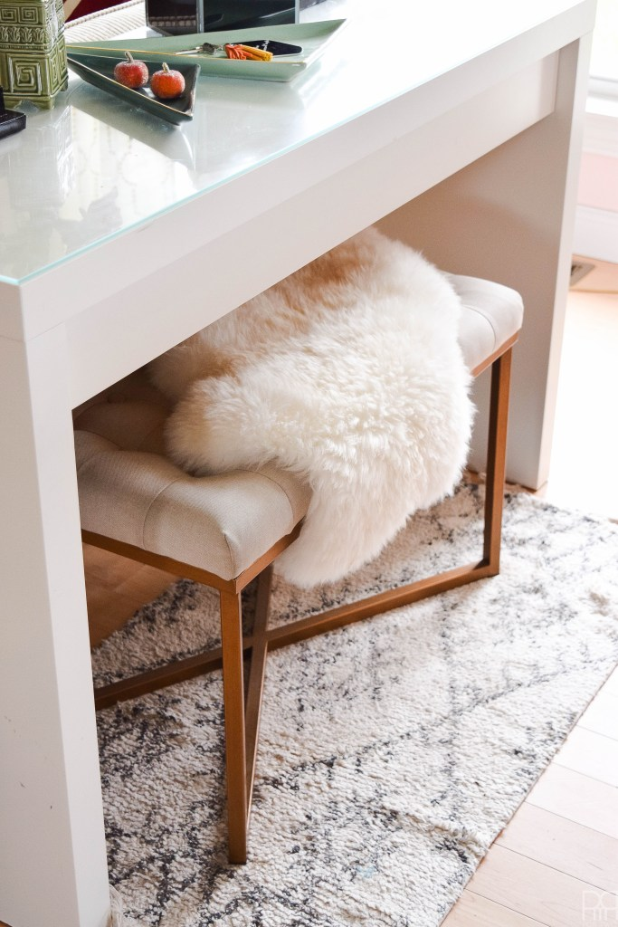 canadian-blogger-fall-home-tour bench with fur rug