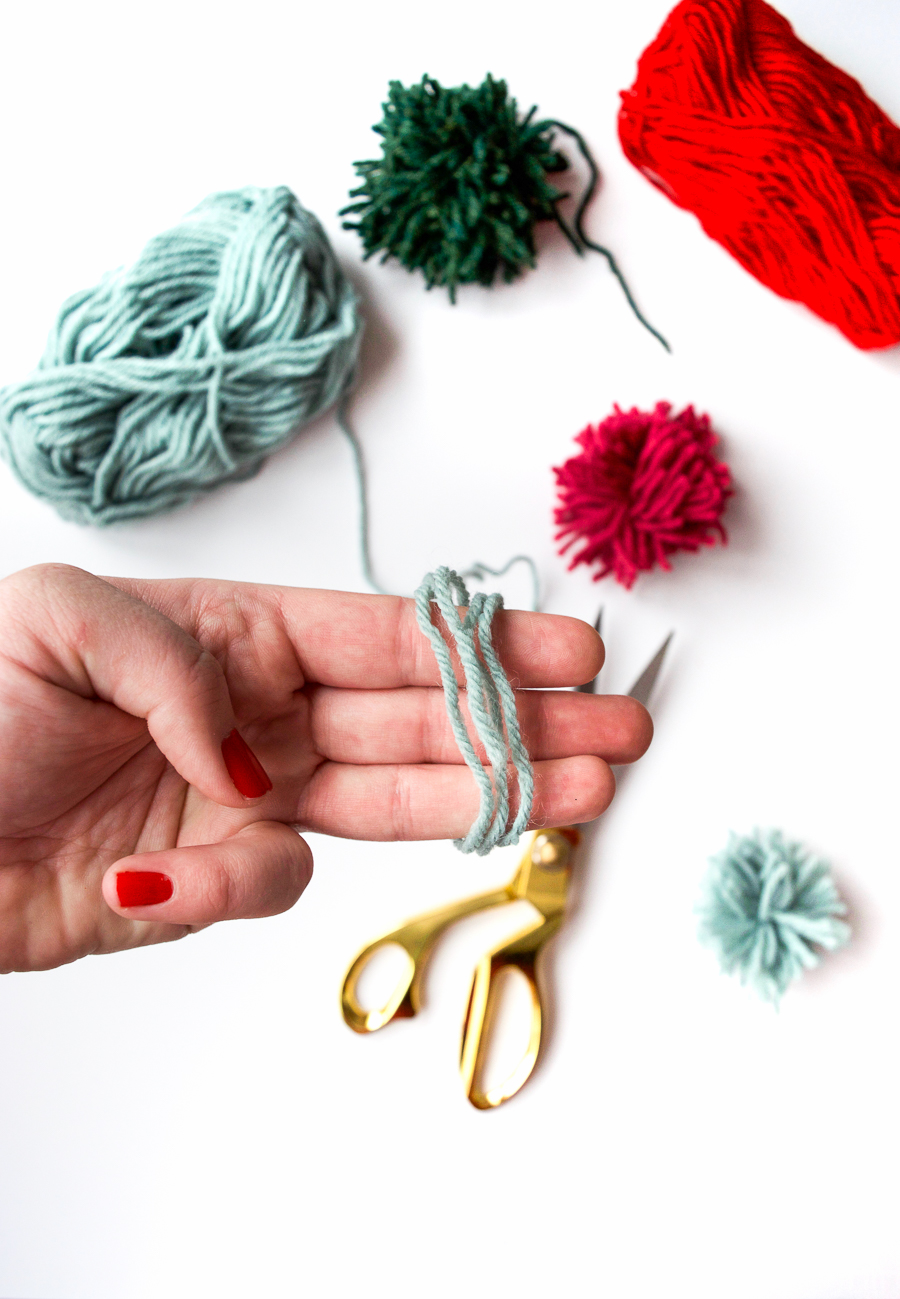 diy-pom-poms-and-tassels-18