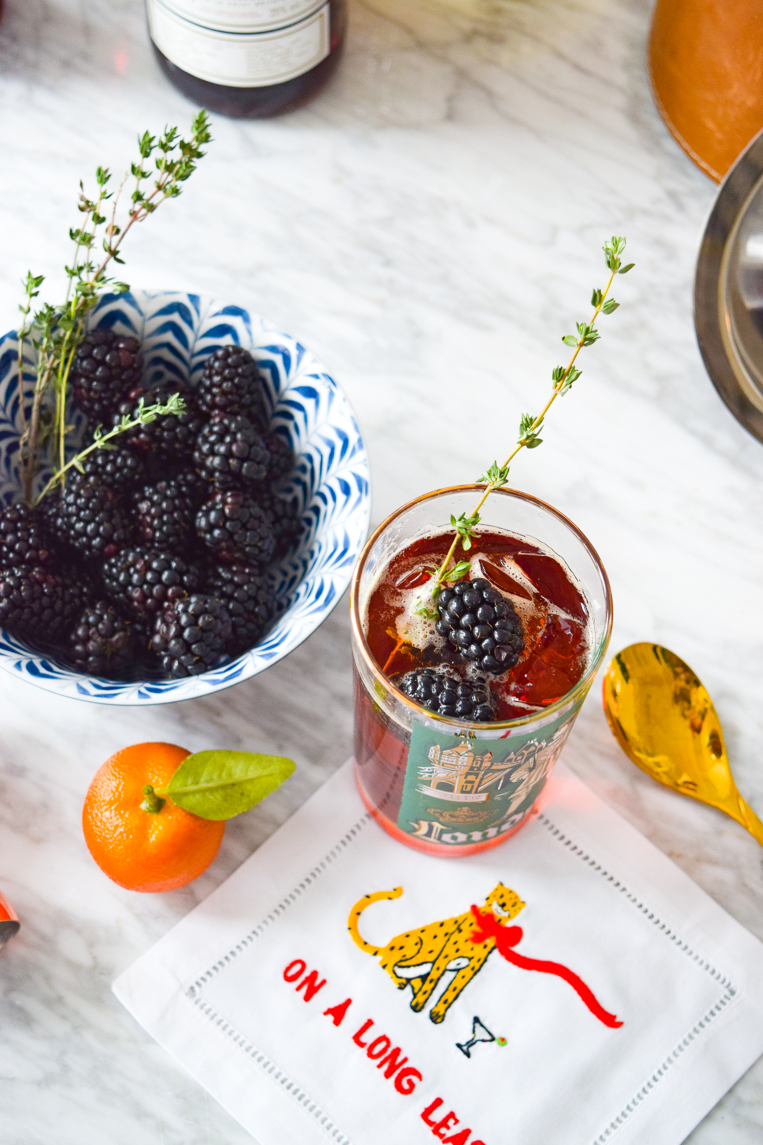 Make yourself a Blackberry & Rosemary Pimms Cup to start you happy hour in style! Their the perfect weekend sip or brunch cocktail. So fresh and tasty!