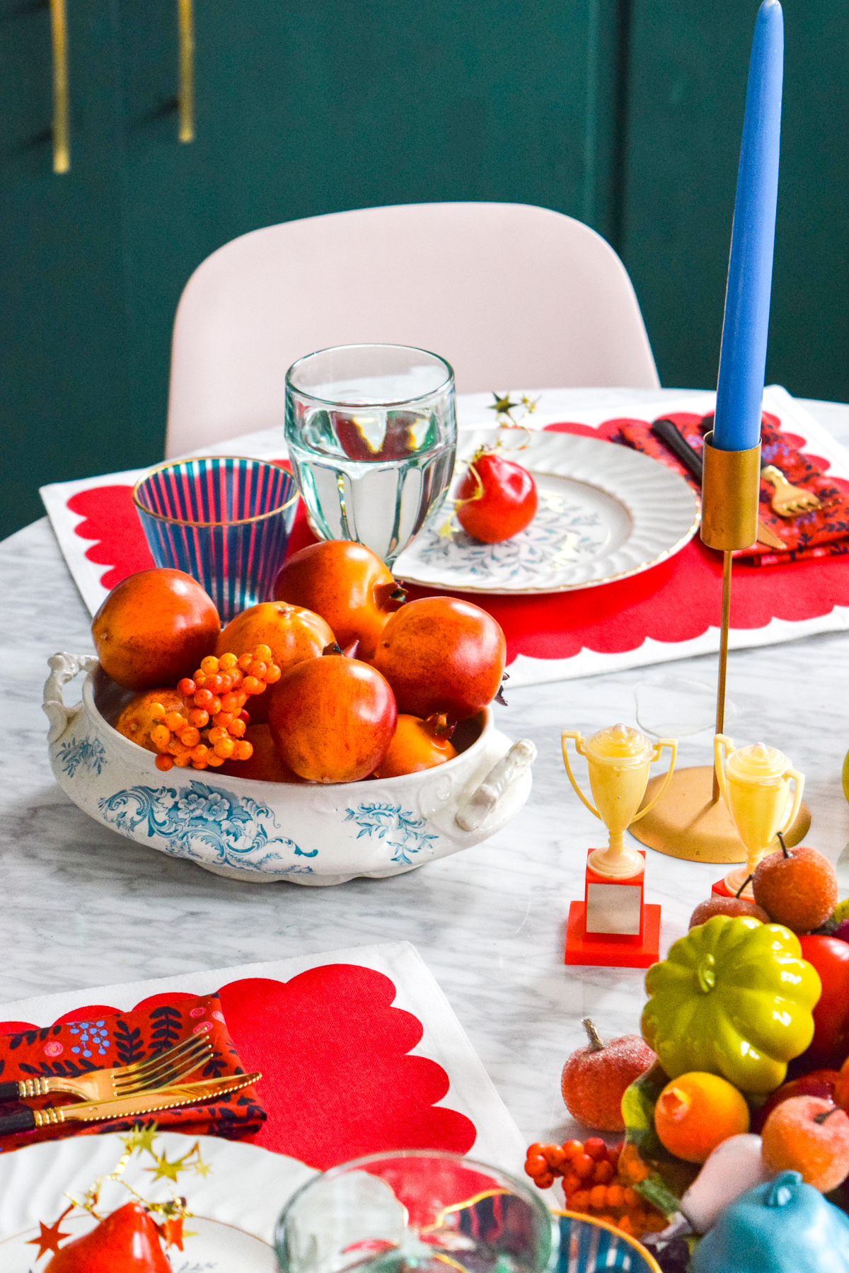 tablescape with reds and blues for fall