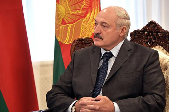 Лукашенко поздравил Александру Пахмутову с юбилеем