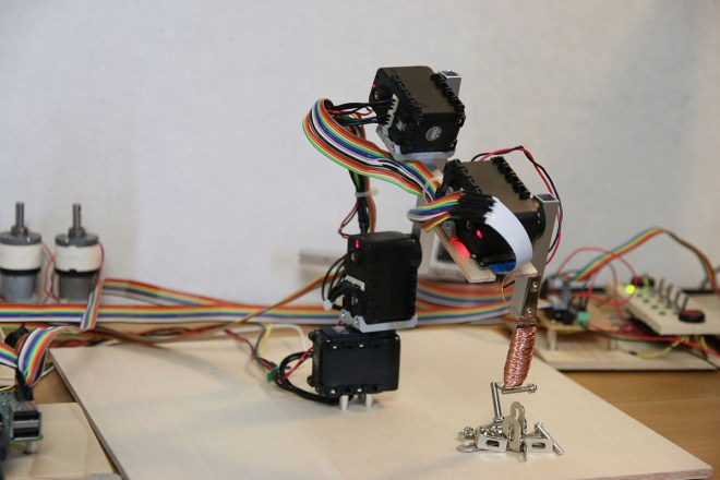 Raspberry Pi Robot Arm with simple Computer Vision - Electron Dust