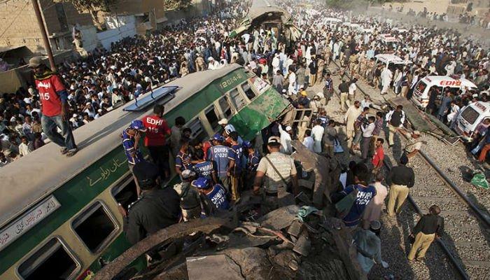 पाकिस्तानको सिन्ध प्रान्तमा रेल दुर्घटना