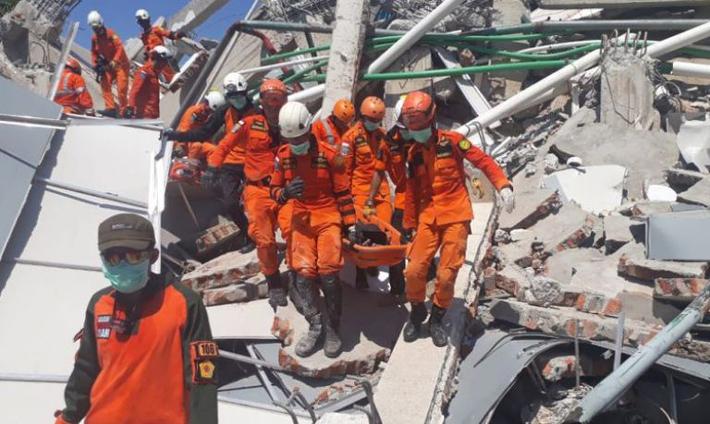 इन्डोनेसिया भुकम्प र सुनामीका कारण साठी हजार व्यक्ति विस्थापित