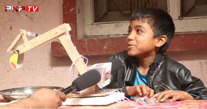जम्मा ६० रुपैयाँको लागत मै डोजर (भिडियो सहित)