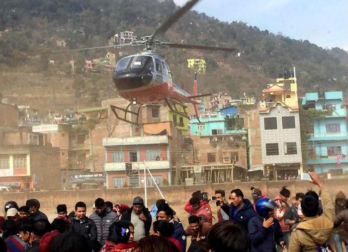 बस दुर्घटना अपडेट : १० जनाको हेलिकप्टरमा उद्धार