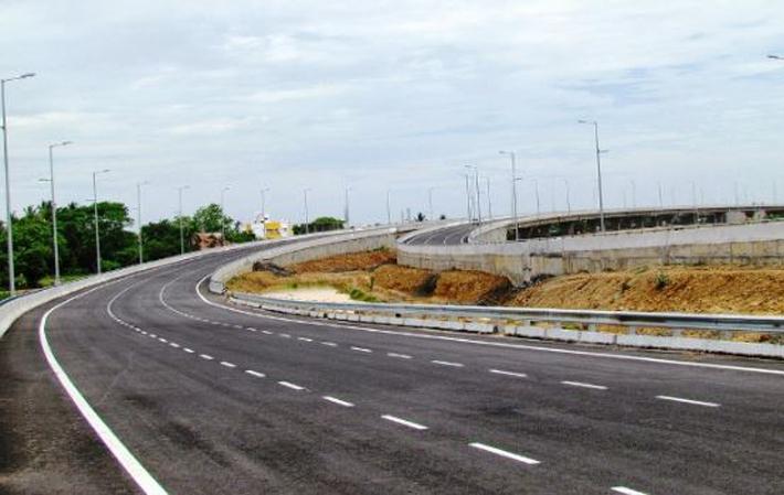 पुल बनाउनै मान्दैनन् चक्रपथका ठेकेदार, दुई वर्षमा पनि पूरा भएन ४५ प्रतिशत काम
