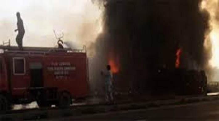 इन्धन ट्याङ्कर विस्फोट हुँदा ३५ को मृत्यु