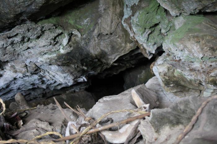 देउताभिर गुफा जाने पदमार्ग निर्माण
