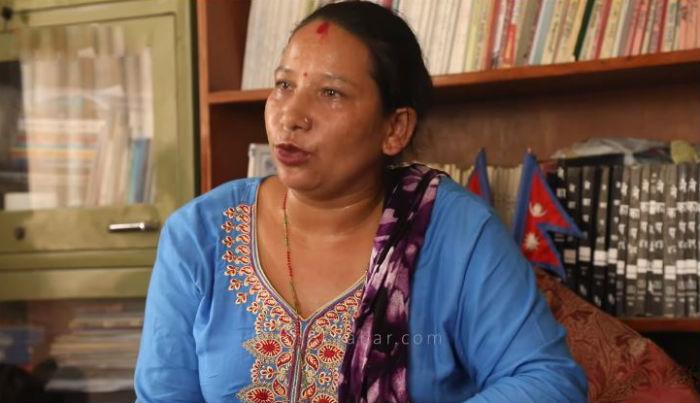 घरको ताल्चा नै फोरेर यी महिलामाथि निर्मम कुटपिट, न्याय माग्न पुगिन स्वागत नेपालको कार्यालय