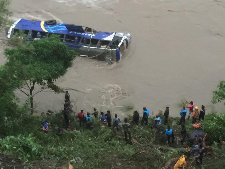 त्रिशूली दुर्घटनाः मृतकको सङ्ख्या आठ पुग्यो, २० भन्दा बढी यात्रु अझै वेपत्ता