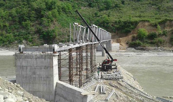 पाँच वर्षदेखि पुल निर्माण अलपत्र
