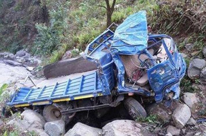 काभ्रेको रोशीमा मिनिट्रक दुर्घटना,  तीनको मृत्यु