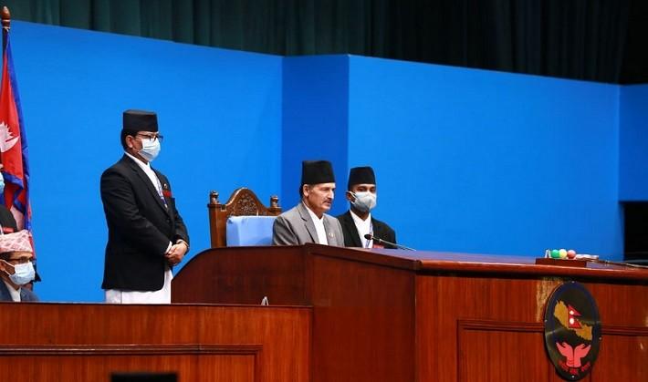 बैठकको सुरुमै नाराबाजी : एमाले सांसदलाई सभामुखको सम्बोधन, प्रतिनिधि सभाबाट बजेटसम्बन्धी दुई विधेयक पारित