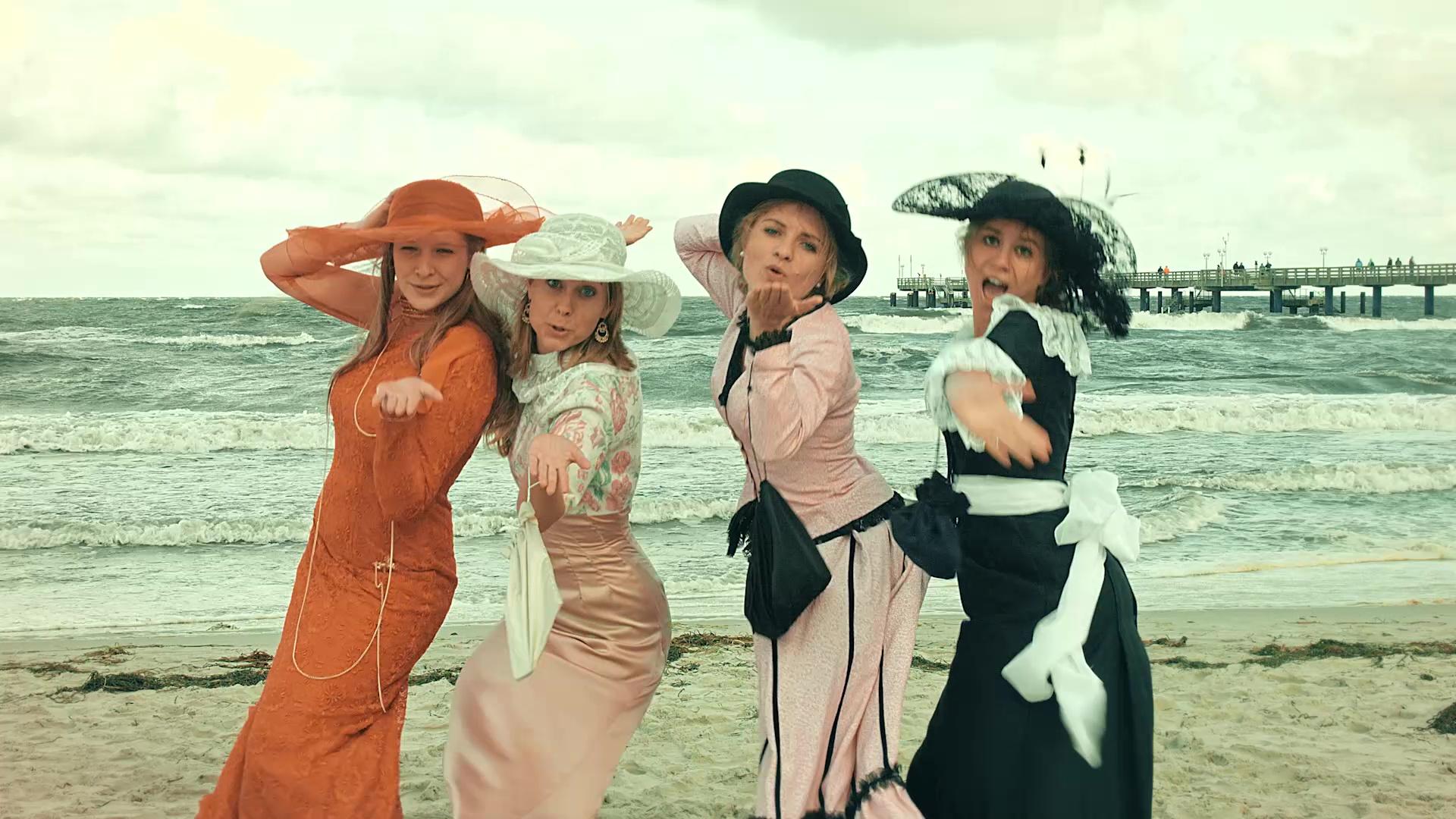 Event-Filmproduktion Hochzeit im Badekarren von Pocha Burwitz