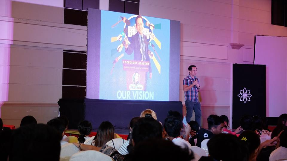 Filipino motivational speaker shares importance of having a vision