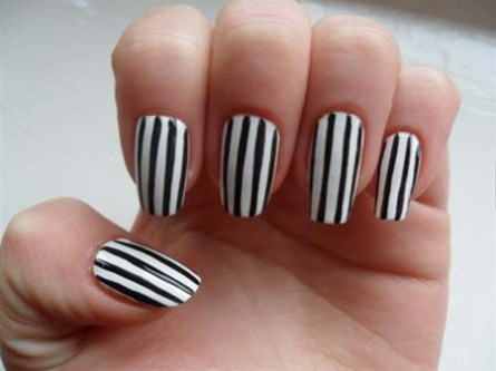 Horizontal Stripes Nail Art