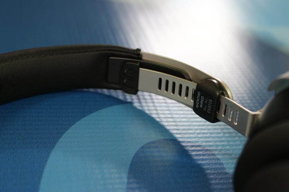 Review: Beyerdynamic Aventho Wired On-Ear Headphones | Poc Network ...