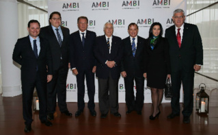 De gauche à droite: Arnoldo Wald Filho, Marcos Pileggi, Michel Dotta, Jacques Boisson, André de Montigny, Luciana de Montigny, Henri Fissore. Photo courtoisie (c) Jean-Charles Vinaj / AMBI
