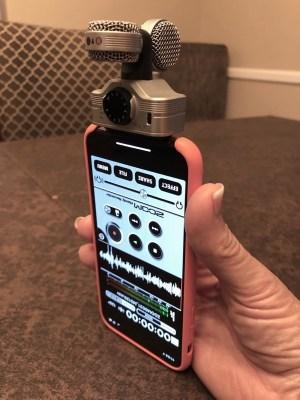Zoom iQ7 mic orientation
