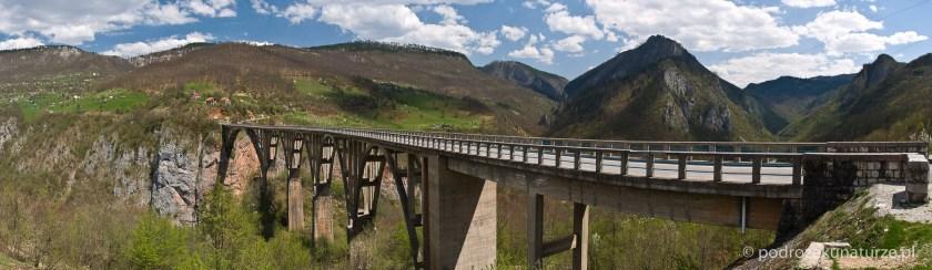 """Most, na którym kręcono """"Działa Navarony"""""""