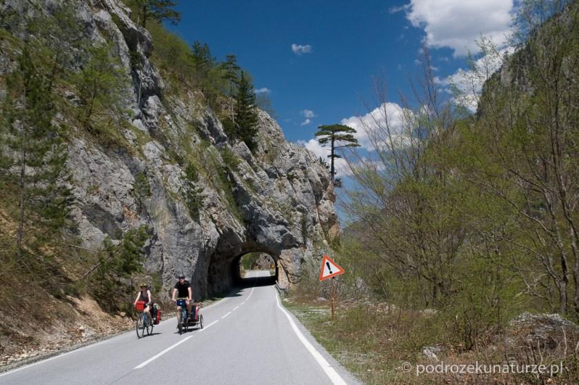 Tunel w kanionie Tary