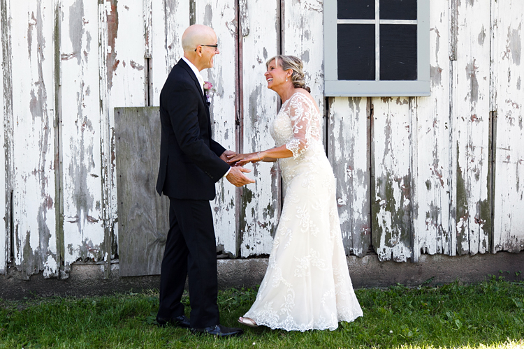 Illinois Barn Wedding Photographs