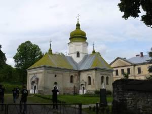 Ławrów - klasztor