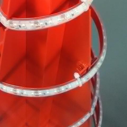 DETAIL SPIRALE Ht 1.20 m -Eclairage à ruban leds haute luminosité rouge
