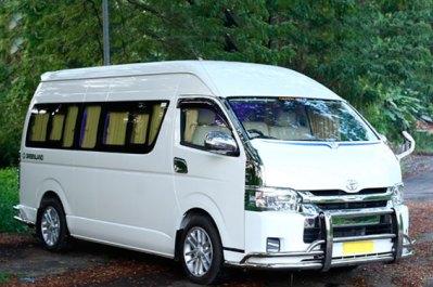 Toyota-Commuter-12-Seater-Van-Rent-Chennai-Trichy-Madurai-Bangalore