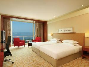 Best Hyatt Gold Passport Redemptions: Category 2, Hyatt Hotel and Casino Manila
