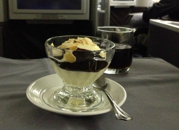 United Global First Class Dessert Ice Cream Sundae