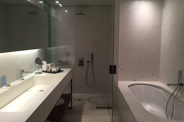Business Suite bathroom at The Met Hotel Thessaloniki