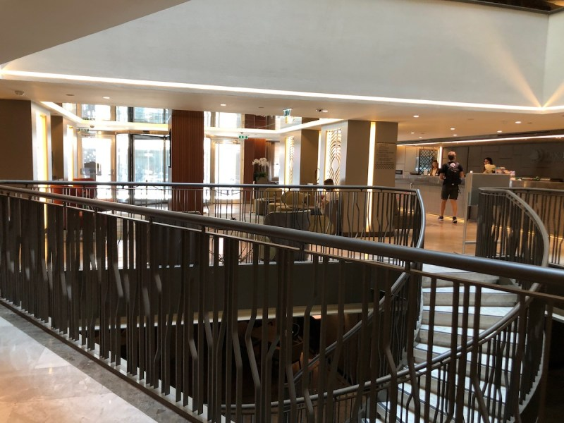 Doubletree Istanbul Sirkeci Review Lobby