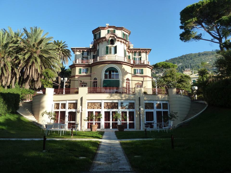 Shades of Green Grass, Villa Pagoda, Nervi, italy