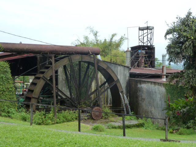 La roue à aubes de la distillerie