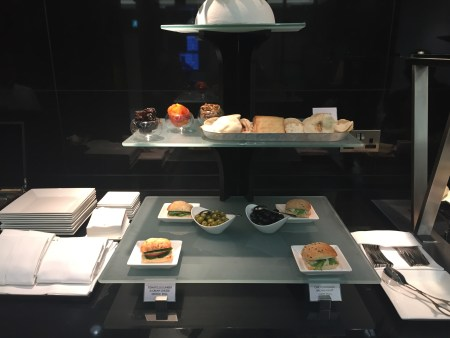 etihad first business arrival lounge auh abu dhabi review