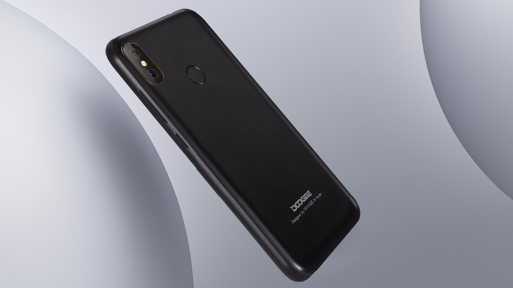 Фото DOOGEE X70 Smartphone Face Unlock  5.5'' U-Notch 19:9 MTK6580 Quad Core 2GB RAM 16GB ROM Dual Camera 8.0MP Android 8.1 4000mAh