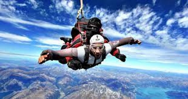 Sky Diving - Extreme activities