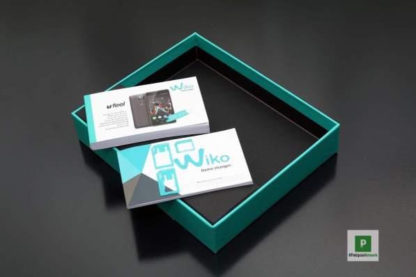 Die Bedienungsanleitung und SIM-Karten-Tool