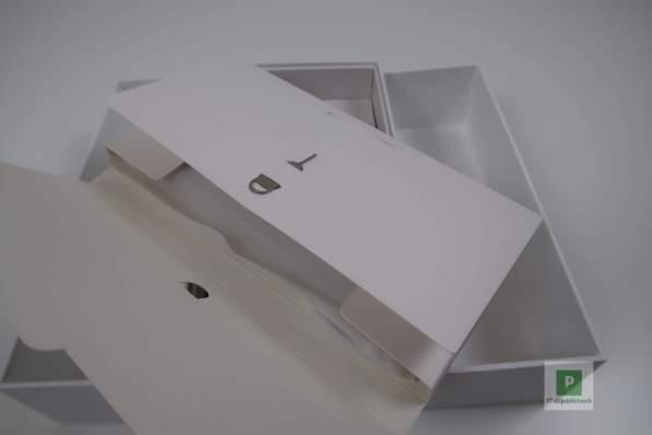 SIM-Kartentool und das Papierzeug