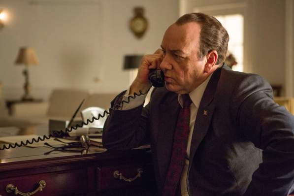 Richard Nixon (Kevin Spacey)