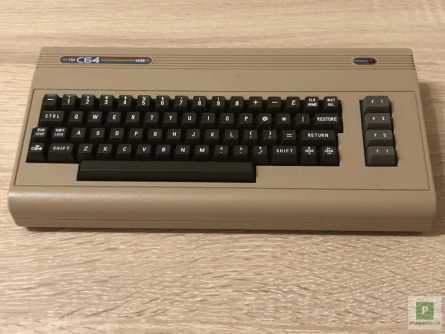 Ansicht von Oben - Die Tastatur ist leider nur Fake
