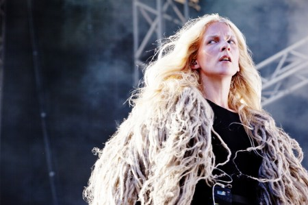 iamamiwhoami, on stage
