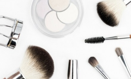 Off-Topic: 7 Reasons to Stop Wearing Makeup