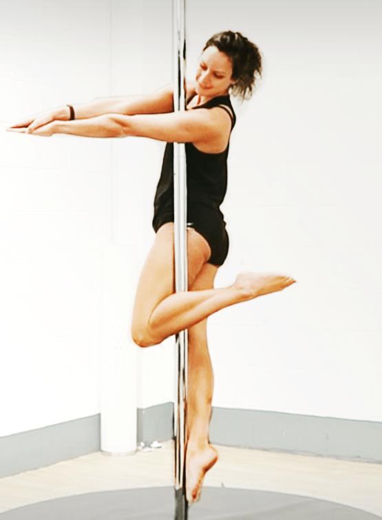 Figurehead Pole Move